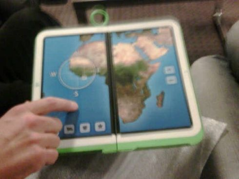OLPC 2.0 Is a Dual Touchscreen Device... Mockup Only?