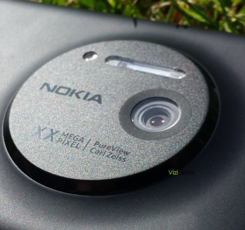 Nokia EOS Leaked Pictures Trigger Fresh Renders; Talk About a Huge Camera Module...