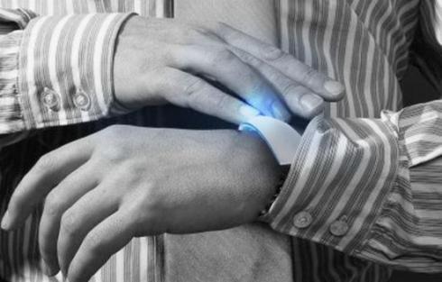 HOLO_bracelet_mobile_computer_concept_4