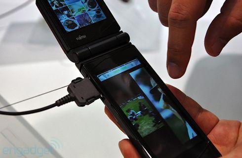 fujitsu showcases dual touchscreen phone prototype at ceatec 2010 concept phones. Black Bedroom Furniture Sets. Home Design Ideas